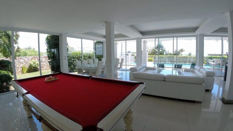 luxury-beachfront-villa-5