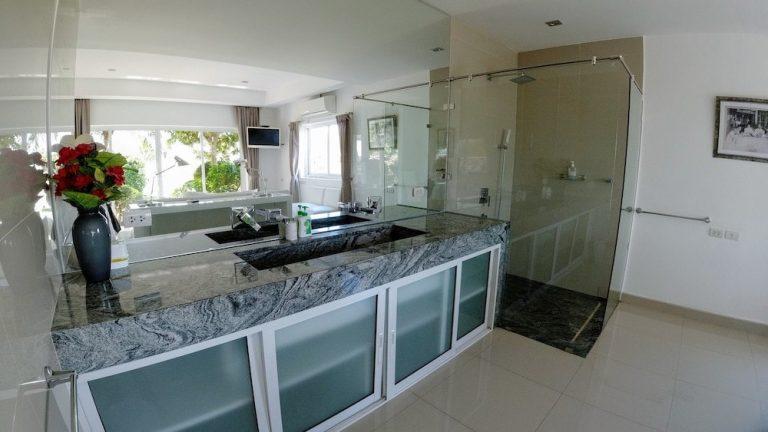 luxury-beachfront-villa-9